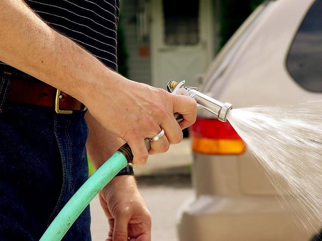Hand Wash Car Wash >> Desperdício de Água: Como Evitar? - Pensamento Verde