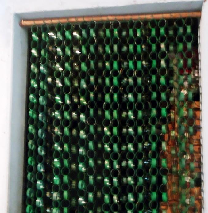 cerca para jardim recicladaComo fazer cortina de garrafa PET