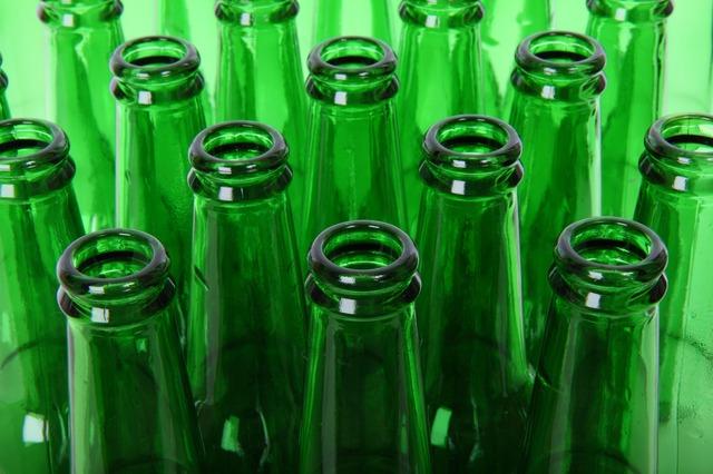 Resultado de imagem para garrafa de vidro