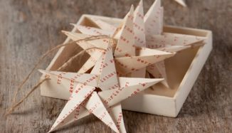 foto de estrela feita de origami