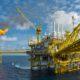 foto de petrolífera instalada no mar
