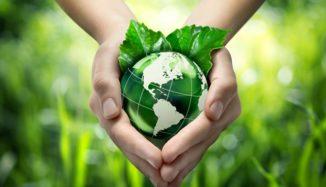 foto de mão segurando planeta terra