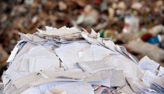 pilha de papel picado