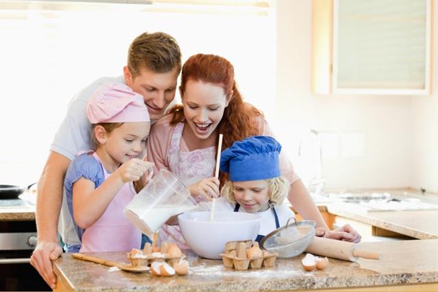 familia-cozinhando-2 - Pensamento Verde